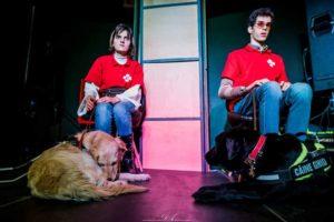 doi beneficiari ai asociatiei, Paul si Ada, cu cainii lor Phantom si Zafira